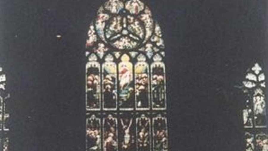 Egy üres templomban fotózott, szellemet talált